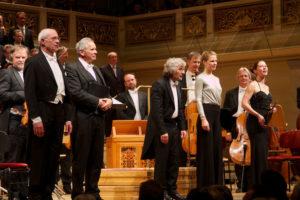 Orchester beim Benefizkonzert